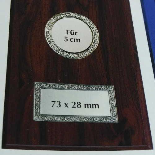 Plaketten 200x150mm mit Metallfassungen für 5cm Embleme