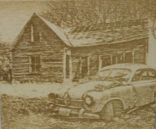 Fotogravur Hof mit Auto