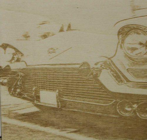 Rastergravur eines Oldtimers als Fotogravur